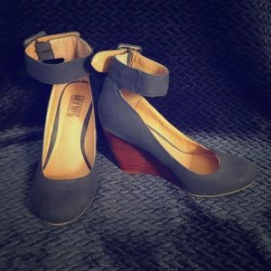 Mix No 6 Wedges with wooden Heels